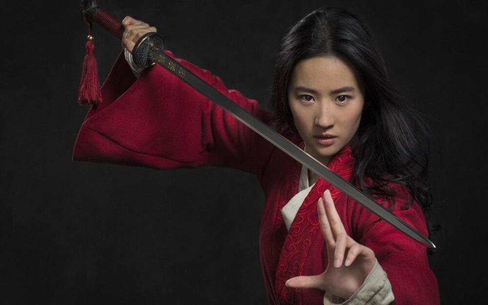 Bị chỉ trích diễn xuất trong Hoa Mộc Lan, Lưu Diệc Phi được đạo diễn Trương Kỷ Trung lên tiếng bảo vệ-1