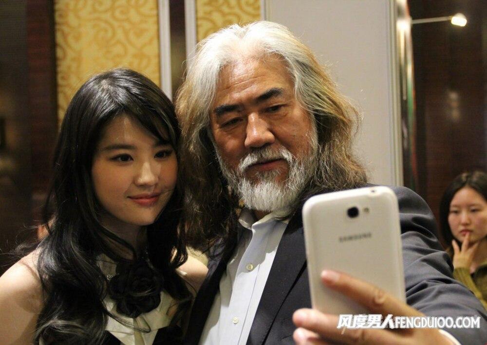 Bị chỉ trích diễn xuất trong Hoa Mộc Lan, Lưu Diệc Phi được đạo diễn Trương Kỷ Trung lên tiếng bảo vệ-6