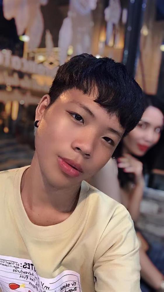 Thanh niên nuôi tóc 6 tháng trời để uốn giống Rocker Nguyễn nhưng lại đặt nhầm niềm tin ở tiệm làm đầu-3