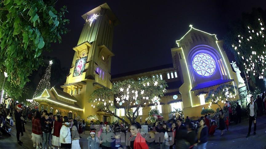 Địa điểm vui chơi dịp Giáng sinh 2020 tại Hà Nội-3