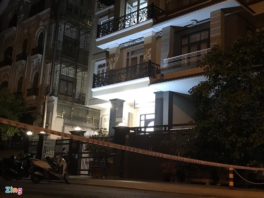 Cảnh sát phong tỏa nơi phát hiện thi thể người trong vali-2