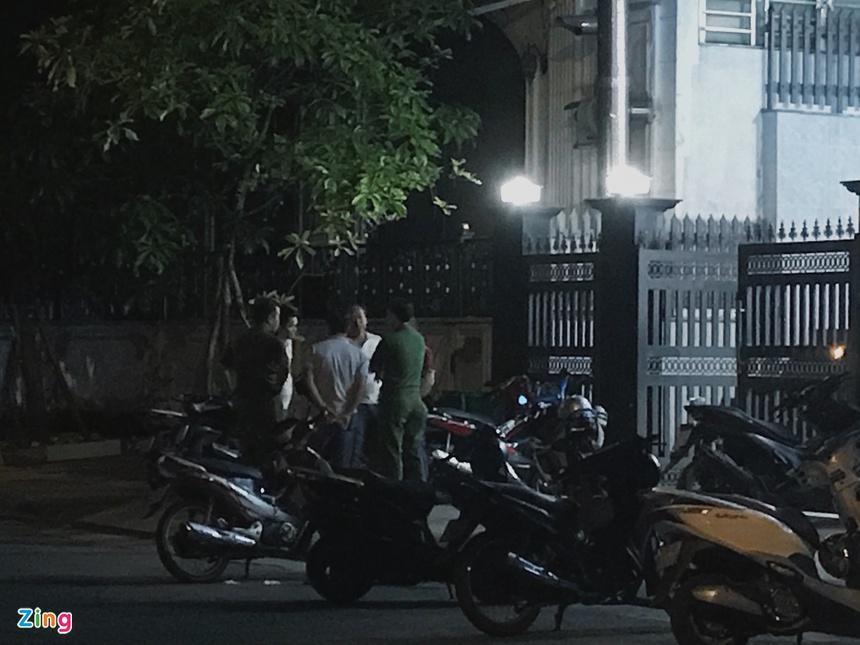 Cảnh sát phong tỏa nơi phát hiện thi thể người trong vali-4