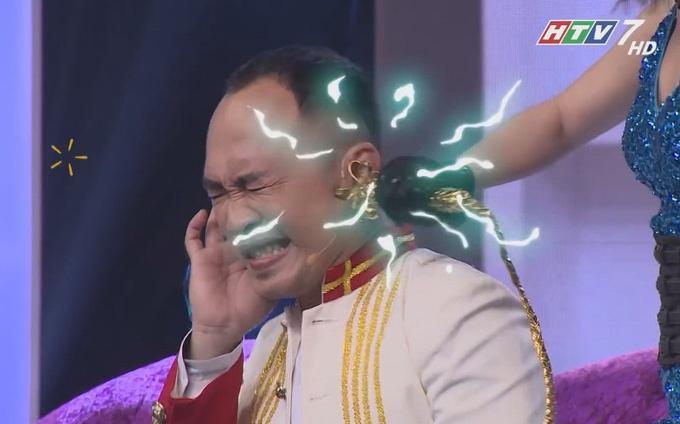 Lan Ngọc hôn môi Lâm Vỹ Dạ và những trò lố trên game show Việt-4