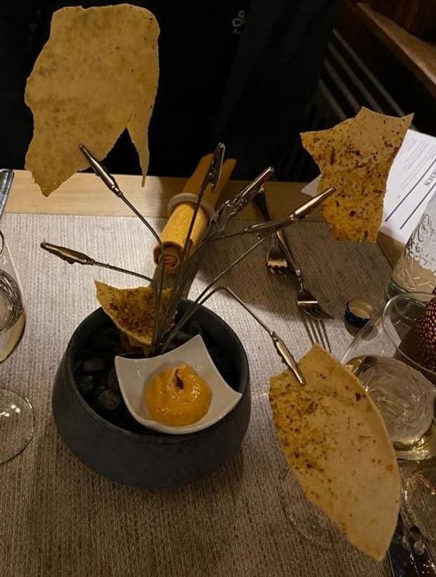 Đứng hình với phong cách phục vụ món ăn của các nhà hàng khiến thực khách một đi không trở lại-5