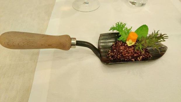 Đứng hình với phong cách phục vụ món ăn của các nhà hàng khiến thực khách một đi không trở lại-9