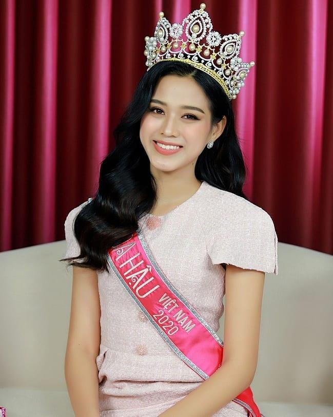 Tân Hoa hậu Việt Nam Đỗ Thị Hà lộ gương mặt xuống sắc khác lạ-4