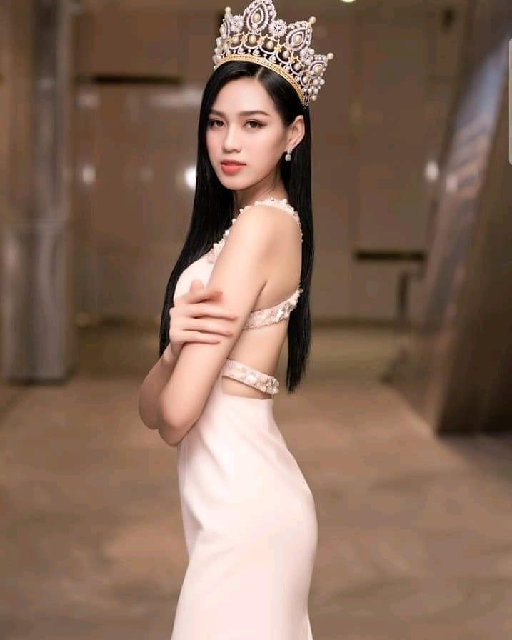 Tân Hoa hậu Việt Nam Đỗ Thị Hà lộ gương mặt xuống sắc khác lạ-5