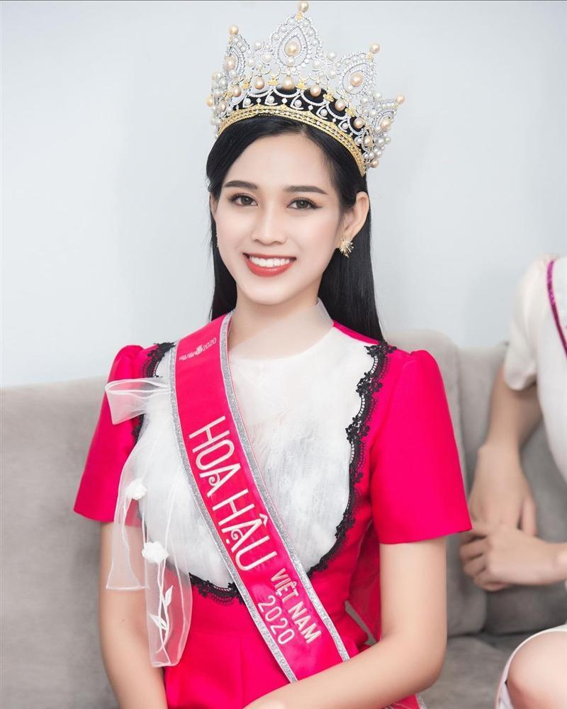 Tân Hoa hậu Việt Nam Đỗ Thị Hà lộ gương mặt xuống sắc khác lạ-6