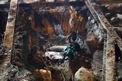 Hà Nội: Thi công nền móng phát hiện vật thể nghi là bom, lập chốt phong tỏa phố Cửa Bắc