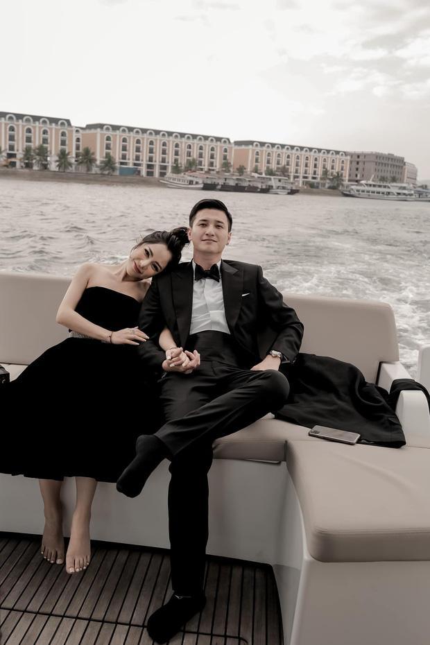 Huỳnh Anh công khai ảnh ôm ấp bạn gái MC VTV, viết hẳn status giới thiệu người ấy là ai-3