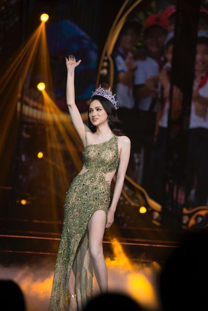 Thêm một pha nghi án váy nhái tại cuộc thi Hoa hậu: Bộ đầm mà Ngân Anh, Hương Giang từng mặc cũng bị đào mộ ngay lập tức-6