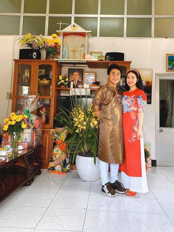 Lộ diện mẹ chồng tương lai quyền lực của Hòa Minzy-7