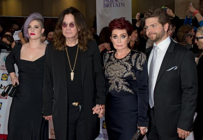 Ozzy Osbourne hối hận vì từng phản bội vợ-1
