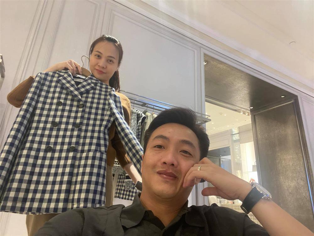 Đàm Thu Trang được chồng tổ chức sinh nhật, hành động với Subeo gây chú ý-3
