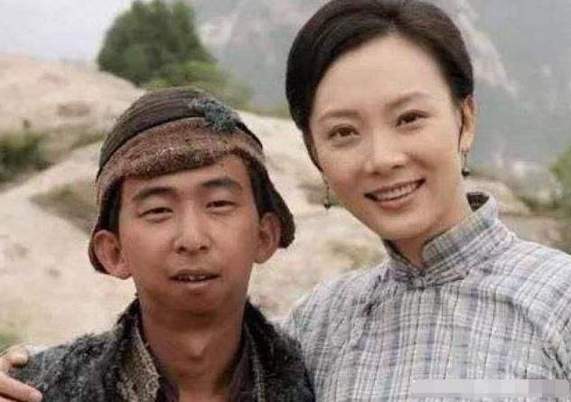 Nam diễn viên xấu nhất Cbiz: Sở hữu khối tài sản khủng và hôn nhân hạnh phúc bên vợ đẹp-3