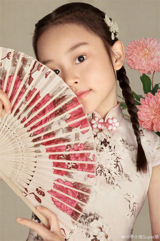 Con gái Lý Tiểu Lộ càng lớn càng xinh, xóa sạch mác xấu xí-6