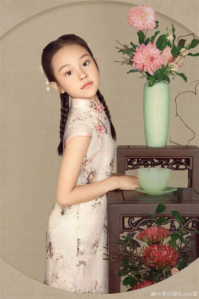 Con gái Lý Tiểu Lộ càng lớn càng xinh, xóa sạch mác xấu xí-7