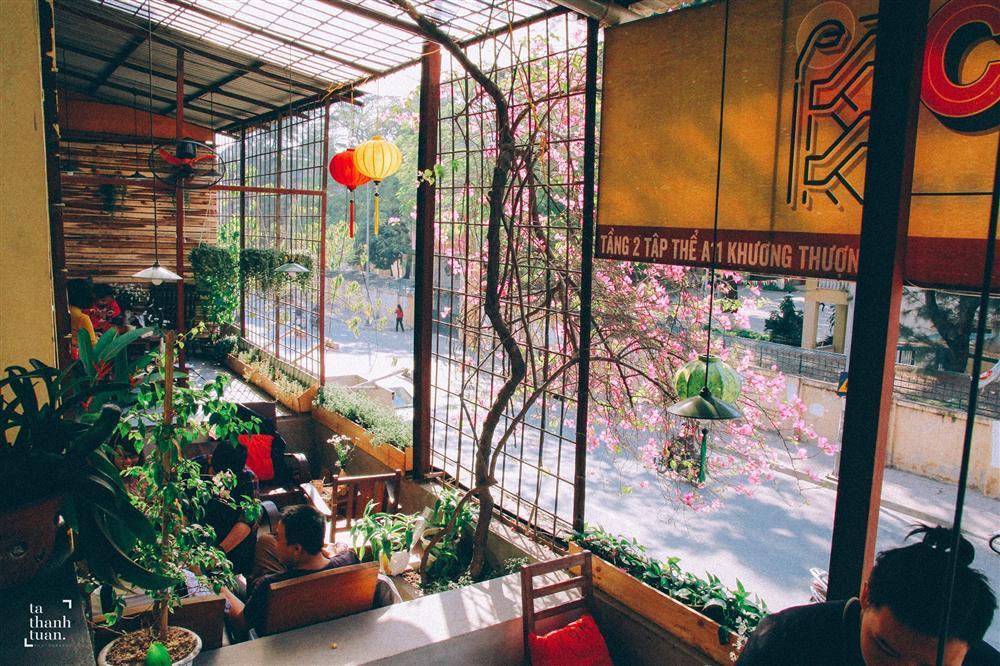 Những quán cafe đẹp lạ núp kỹ trong khu tập thể ở Hà Nội-5