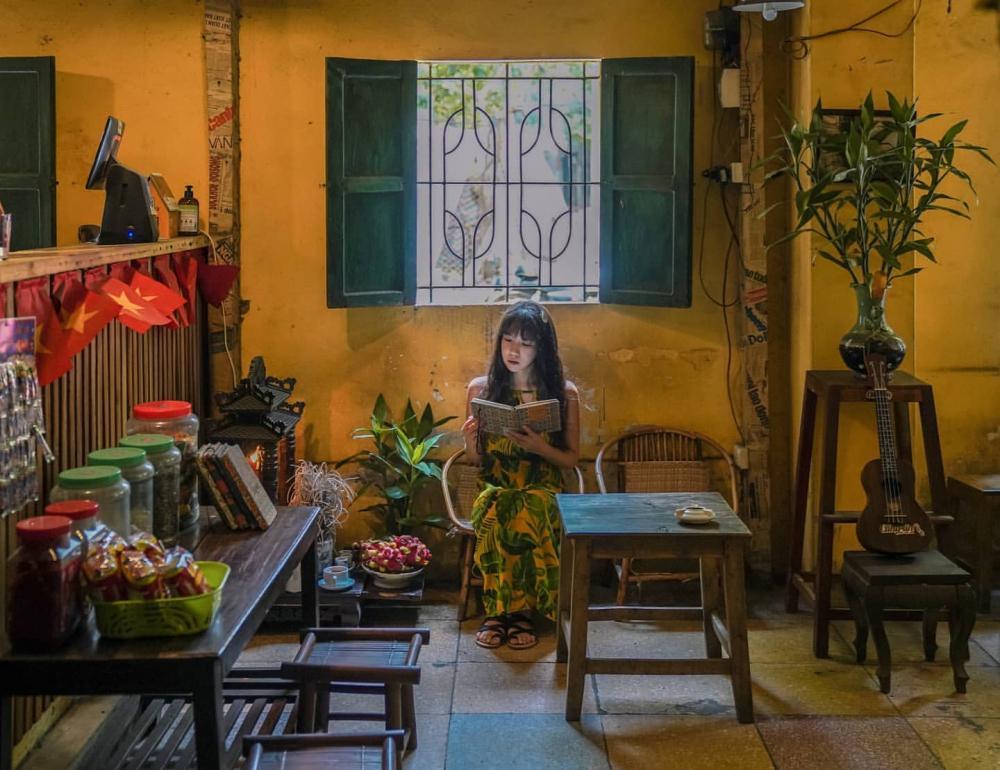 Những quán cafe đẹp lạ núp kỹ trong khu tập thể ở Hà Nội-10