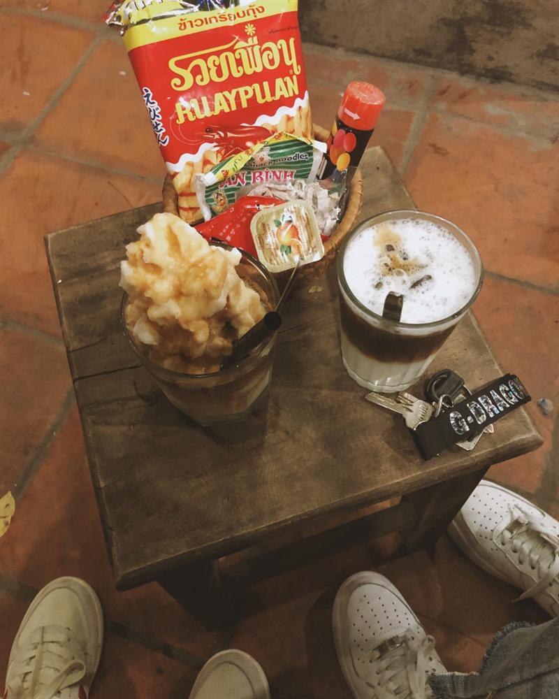 Những quán cafe đẹp lạ núp kỹ trong khu tập thể ở Hà Nội-13