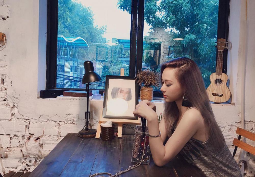 Những quán cafe đẹp lạ núp kỹ trong khu tập thể ở Hà Nội-14