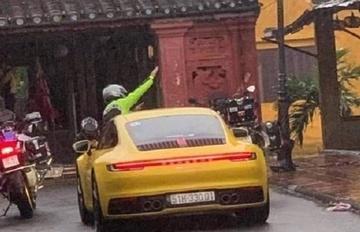 Truy tìm siêu xe Porsche chạy vào đường cấm ở phố cổ Hội An-1