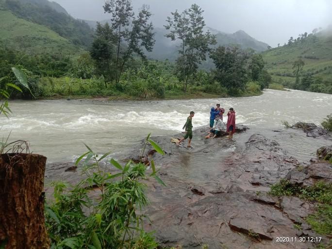 34 du khách TP HCM và người dẫn đường mất liên lạc trên núi Khánh Hòa-1