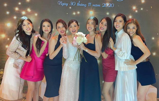 Đám cưới Á hậu Tường San: Chú rể không lộ diện, màn tung hoa gây bất ngờ-8