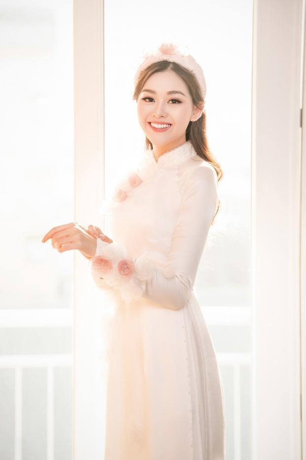 Đám cưới Á hậu Tường San: Chú rể không lộ diện, màn tung hoa gây bất ngờ-10