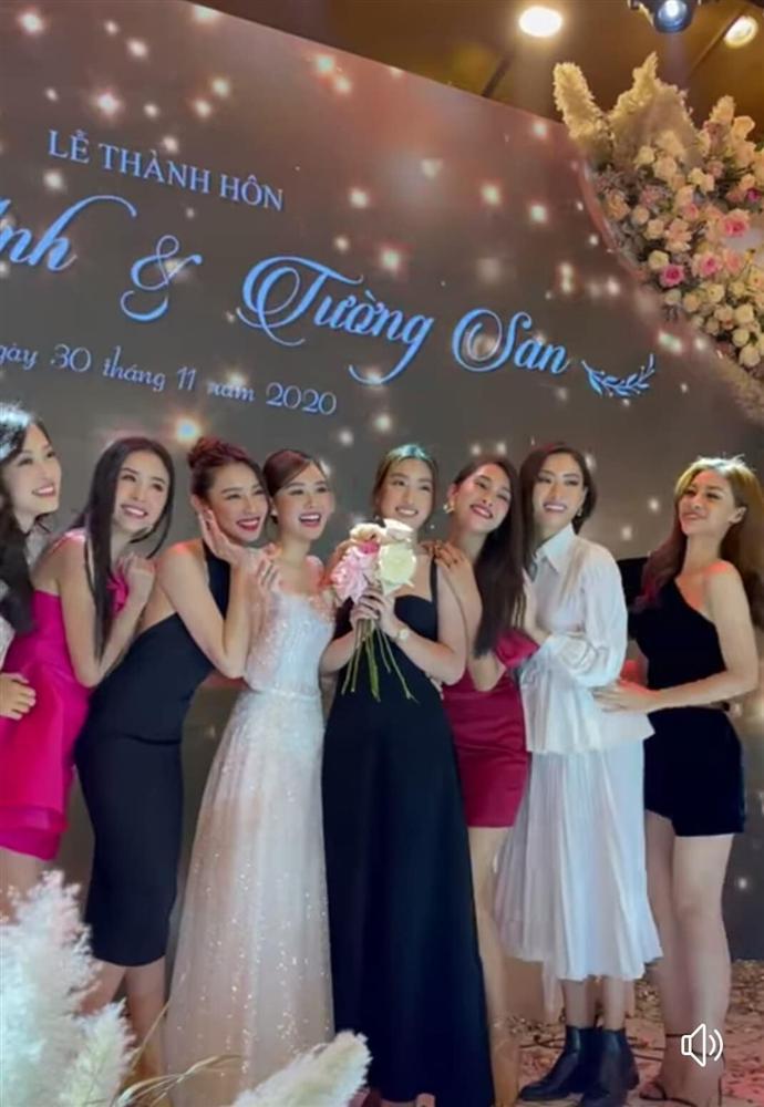 Đám cưới Á hậu Tường San: Chú rể không lộ diện, màn tung hoa gây bất ngờ-7