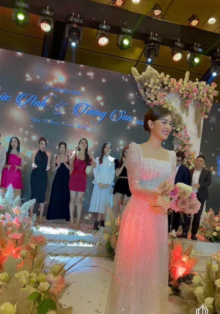 Đám cưới Á hậu Tường San: Chú rể không lộ diện, màn tung hoa gây bất ngờ-6