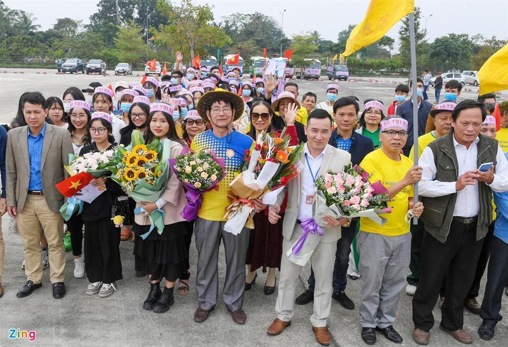 Hoa hậu Đỗ Thị Hà được chào đón khi về Thanh Hóa-6
