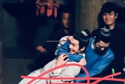 Tống Uy Long và Tỉnh Bách Nhiên nô đùa trong hậu trường phim đam mỹ 'Trương Công Án'