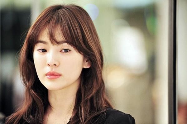 Phim của Song Hye Kyo bất ngờ bị chỉ trích dữ dội, diễn xuất giả trân sau 7 năm phát sóng-1