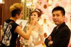 Hậu trường sống ảo hài hước của Minh Nhựa: Vợ đẹp long lanh, chồng sát bên mờ mịt