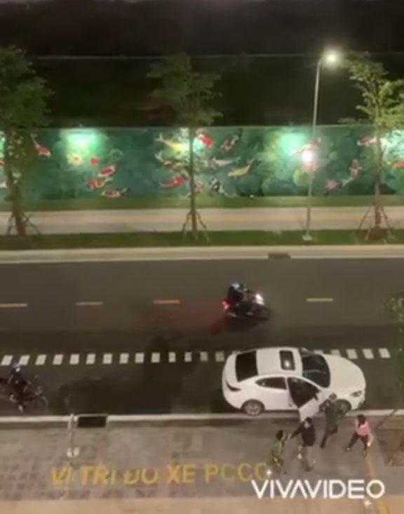 Đánh ghen giữa đêm ở Hà Nội: Tuesday đánh sấp mặt chính thất mới kinh!-3