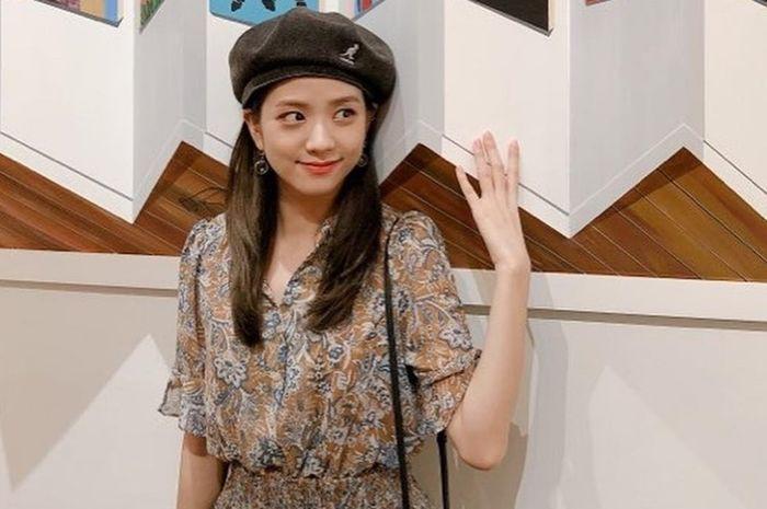 Mũ beret - phụ kiện sống ảo không thể thiếu của BLACKPINK Jisoo-14