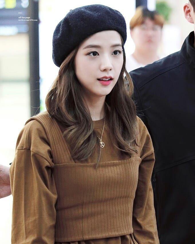 Mũ beret - phụ kiện sống ảo không thể thiếu của BLACKPINK Jisoo-16