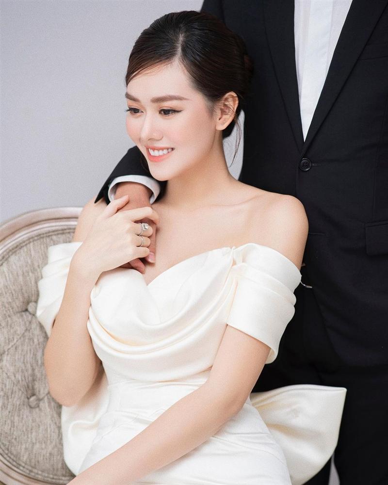 Đương kim Hoa hậu Quốc tế gửi lời chúc cực ngọt khi Tường San kết hôn-10