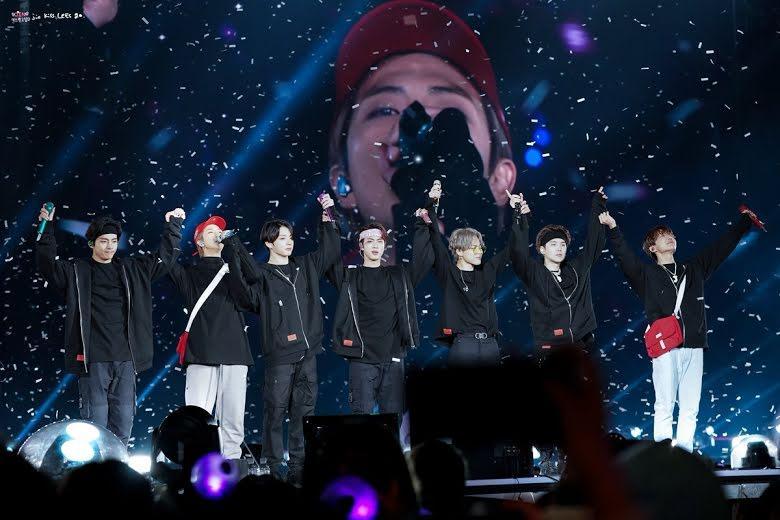 6 điều mới mẻ về em út vàng Jungkook được fan tổng kết trong năm 2020-7