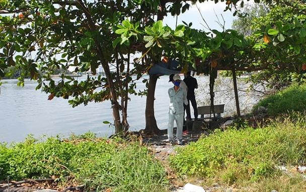 Rợn người phát hiện thi thể phụ nữ mất nửa đầu nổi trên sông Sài Gòn-2