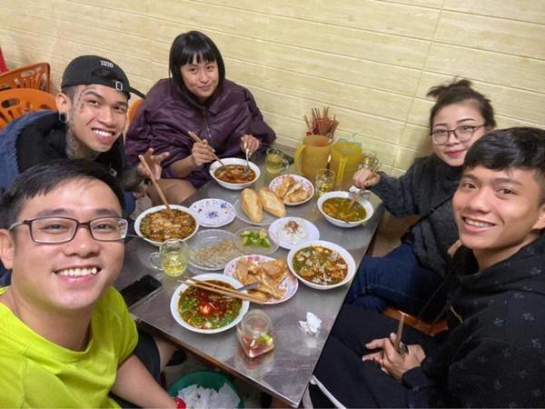 Quán quân Rap Việt - Dế Choắt và Phan Văn Đức đã có mặt tại Nghệ An chờ dự đám cưới Công Phượng vào ngày mai!-4