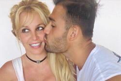 Britney đón sinh nhật tuổi 39 bên bồ trẻ