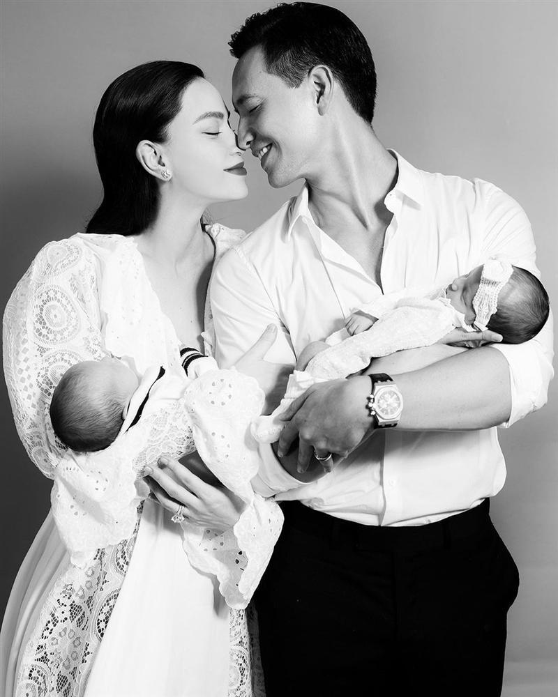 Dung mạo chuẩn bố bỉm sữa của Kim Lý sau 1 tháng chăm con sinh đôi-3