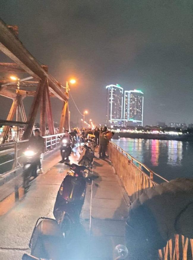 Hà Nội: Người phụ nữ để lại giấy siêu âm thai rồi nhảy cầu Long Biên tự tử-1