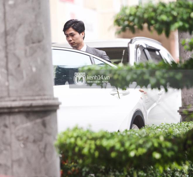 Viên Minh - Công Phượng đi Mẹc 7 tỷ đến hôn lễ, thuê vệ sĩ hộ tống như sao hạng A-2