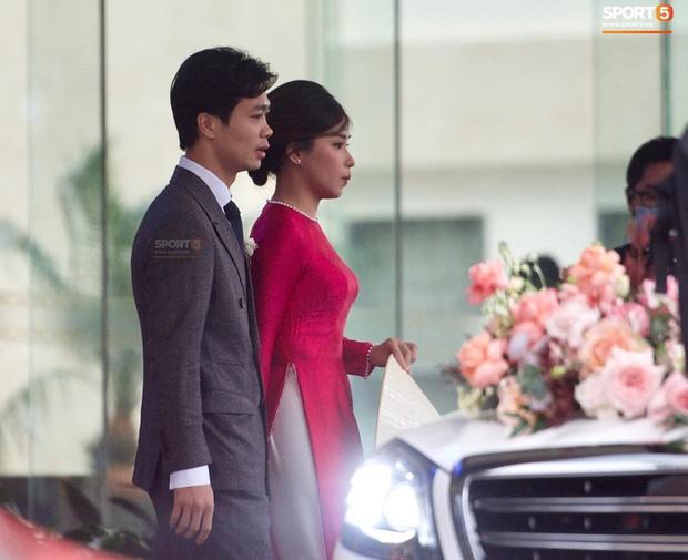 Cô dâu Viên Minh mặc áo dài hồng cánh sen tưởng không xinh mà xinh không tưởng-4