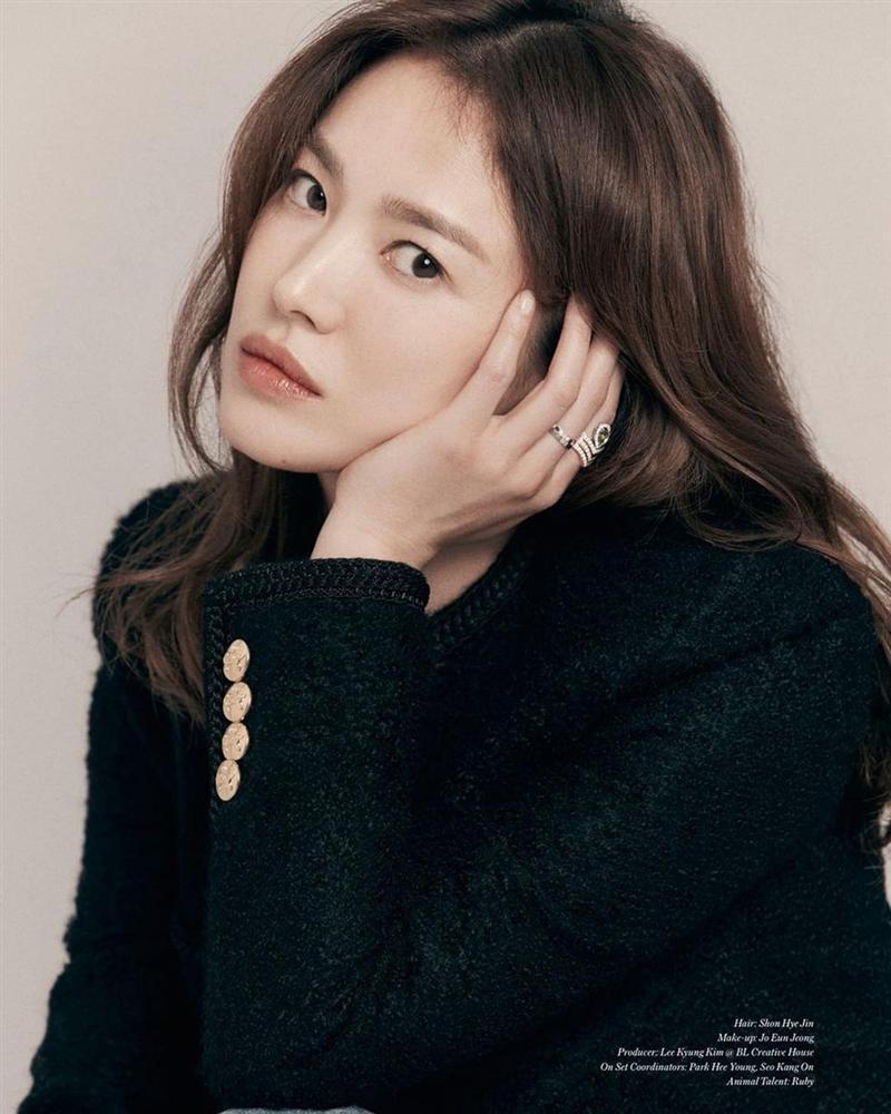 Song Hye Kyo xác lập kỷ lục trên bìa tạp chí-3
