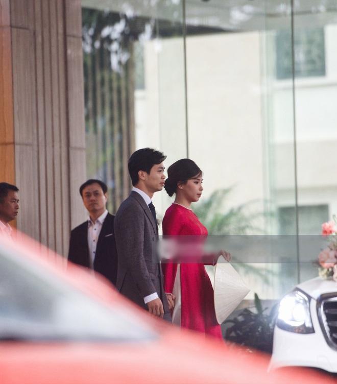 Cô dâu Viên Minh mặc áo dài hồng cánh sen tưởng không xinh mà xinh không tưởng-1