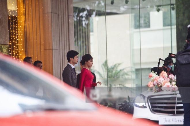 Cô dâu Viên Minh mặc áo dài hồng cánh sen tưởng không xinh mà xinh không tưởng-3